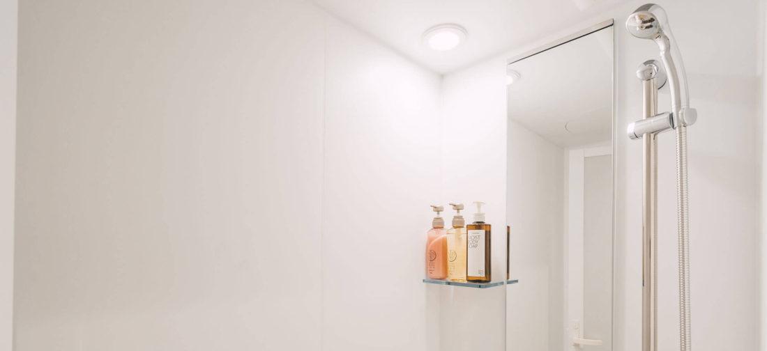 シャワールームも清潔 パーソナルトレーニングジムの大切なところです
