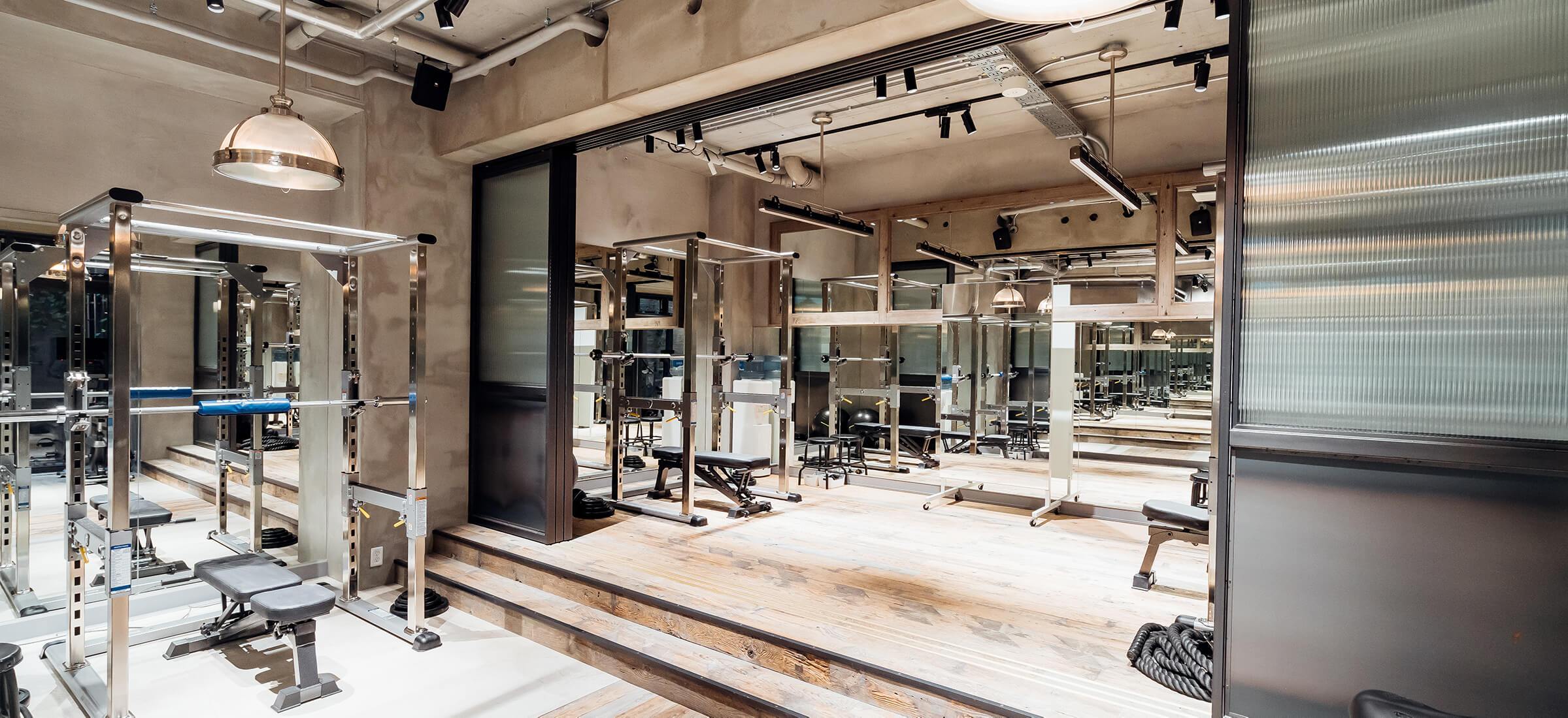 UNDEUX恵比寿スタジオのトレーニングスペース