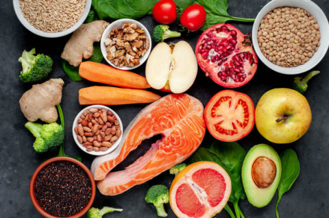 20代女性がダイエットに特に摂りたい栄養素の参考画像